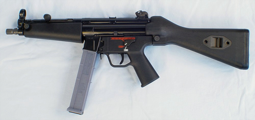 File:MP540.jpg - Internet Movie Firearms Database - Guns in Movies ...
