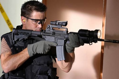 Colin Farrell - Internet Movie Firearms Database - Guns in ... M16 Acog