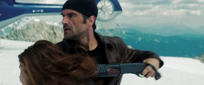 Payne (Elias Koteas)
