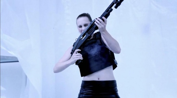 Gun Woman shotgun 1 3.jpg