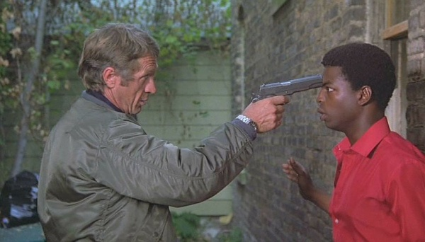 Ralph Papa Thorson Steve Mcqueen Holds An M1911a1 To The Head Of Tommy Price Levar Burton