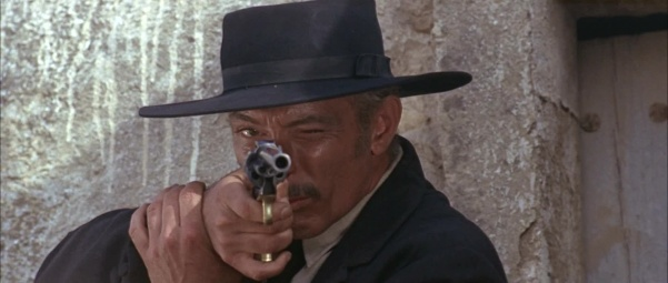 F3-29 * 244 Uma Thurman vs 331 Lee Van Cleef 601px-FFDMbuntlinespecial-14