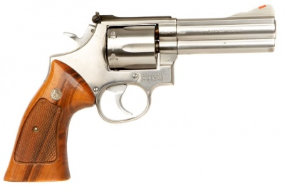 Smith Wesson Model 686 4 Barrel With Hardwood Grips