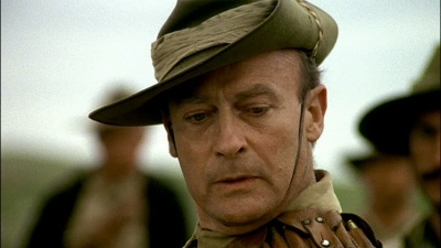 Edward Woodward as <b>Breaker Morant</b>. - 400px-Break17